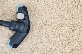Zu den Leistungen der Mettmanner Gebäudereinigung Reils und Wahl zählt der komplette Service rund um Schmutzfangmatten.